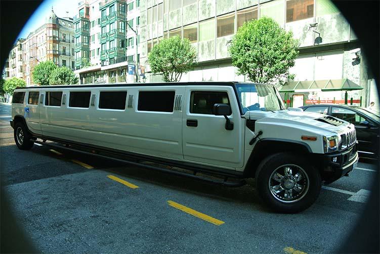 Limusinas Bilbao Alquiler De Limusinas Y Vehiculos De Lujo Rolls Royce En Bilbao Santander